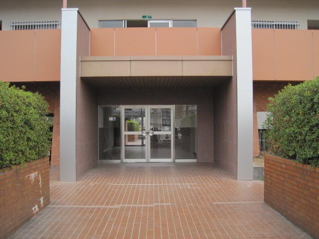 分譲マンション:エントランス外壁リニューアル(グラニピエーレ施工)画像